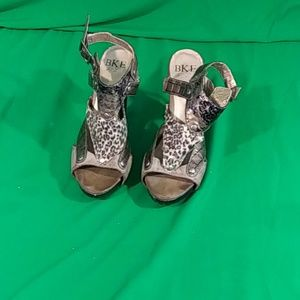 BKE animal print heel sz 7